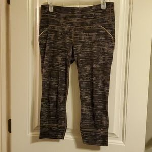 Athleta Mesh Chatarunga Cropped Athletic Leggings